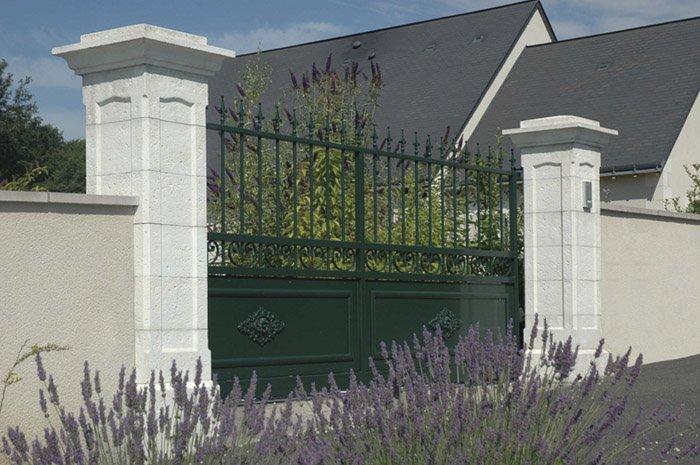 Devis travaux murette piliers de portail prix en ligne for Portail entree maison