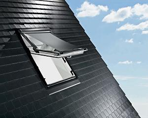 Le volet roulant d'une fenêtre de toit
