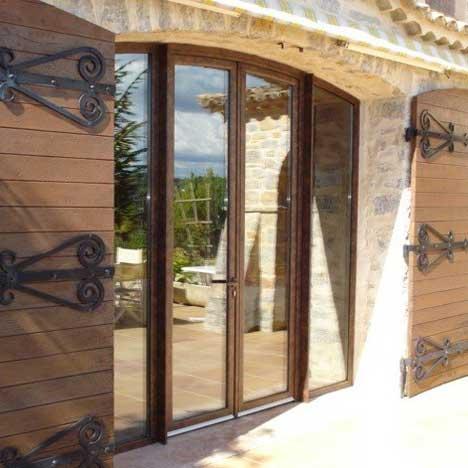 porte-fenêtre en alu à 4 vantaux