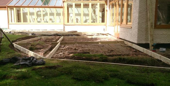 terrassement pelouse pavillon